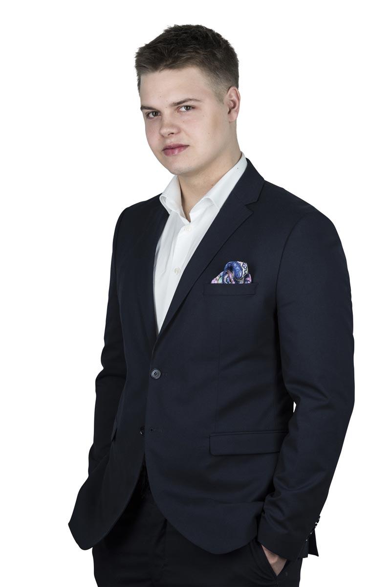 Danil Kauppi - Valtakunnan Välittäjä